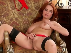 Gorgeous milf Ashley Graham in hotnsexy underware spreads her legs to open wide her sweetness hole for ideal fingering.
