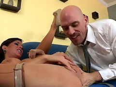 Skilful and experienced Johnny Sins licks and fingers pussy of Veronica Avluv making her squirt while wearing stockings and that looks very hot