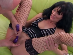 Lengthy haired aged brunette Regina in fishnet nylons spreads her sexy legs and then man makes her squirt. She acquires her hole finger fucked and her clit vibrated previous to she acquires orgasm