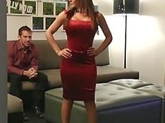 brunette sjarmerende puling hardcore milf kjønn hvit babe kjole store pupper