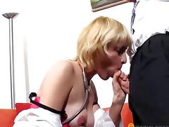 Elegant chap licks twat blond
